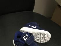 Papuci copii Nike
