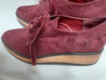 Pantofi dama noi nr 39 piele intoarsa cu model