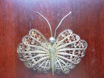 Bijuterie brosa fluture, din argint filigranat