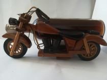 Motocicleta cu suport pentru sticla
