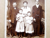 B524-Foto 1900 familie romani din Ardeal in USA Reimann& Co.