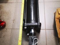 Cilindru hidraulic tractor