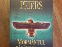 Mormantul pasarii de aur - Elizabeth Peters / R3P2F