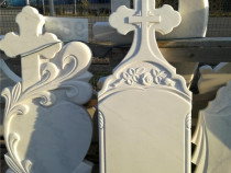 Cruci funerare din mozaic , marmura si granit .