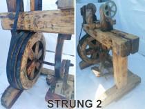 Strung din lemn, foarte vechi, rustic, solid, functionabil!