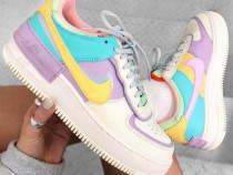 Adidasi colorati