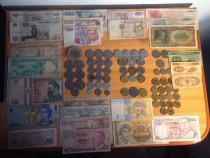 Bancnote și monede.