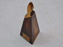 Piramida trofeu masiv de bronz anul 87