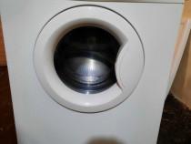 Masina de spălat whirlpool.