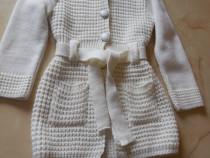 Jacheta tricotata pentru fetite de 7 - 8 ani