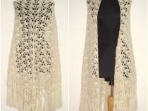 Sal triunghiular, maxi, din lana ivoire, crosetat manual