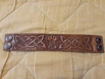 Brățară handmade .