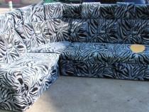 Canapea extensibila tip coltar; Pat cu Saltea 235x125 cm