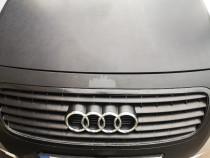 Interior Audi TT cu incazire, grila față banchete scaune
