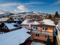 Case de locuit cu potențial turistic + teren 160 mp în ...