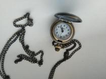 Lantisor cu medalion ceas