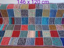 Pătură croșetată 146 x 120 cm