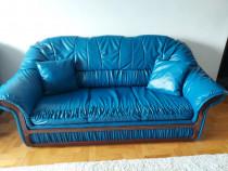 Canapea extensibila cu 2 fotolii.Pret negociabil