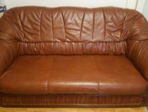 Set canapea extensibila cu fotolii piele ecologică