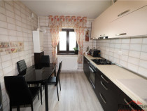 Apartament 3 camere, renovat - mobilat - utilat - Piata Mold