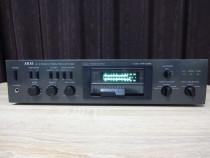 Amplificator Akai