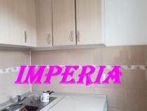 Garsoniera in bloc de apartamente, Varnav - Scoala nr.7