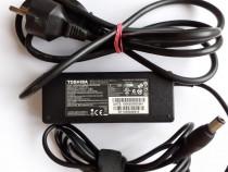 Incarcator laptop Toshiba 15V 5A PA3755E-1AC3