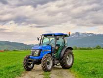 Ferma angajeaza  tractorist