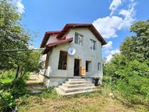 Vila noua in Provita, langa Breaza, 7 camere, teren 1560mp !