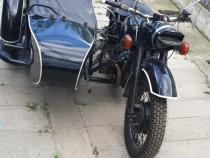 Motocicleta Dnepr k750 Ural M72