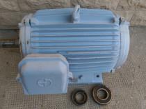 Motor Electric trifazat produs de Electromotor 18.5 Kw/ 380V
