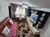 Apartament cu 3 camere renovat, strada Primaverii