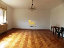 Apartament cu 4 camere la vila in Sibiu zona Trei Stejari