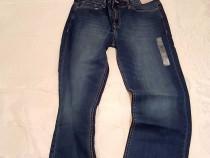 Blugi Calvin Klein Straight Fit, cadoul ideal
