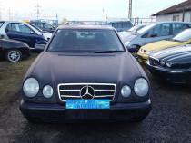 Mercedes e-klasse e 200 i