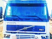 Camion volvo FM7 cu remorca