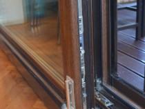 Reparatii Usi Glisante de balcon