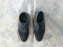 Pantofi de barbati aproape noi (sunt de firma)