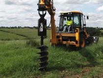 Inchiriez buldoexcavator cu diverse atasamente