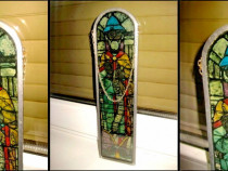 2861-Aplica model vitraliu cu personaj epoca sticla si plumb
