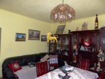 Casa cu 10 camere si curte 500 mp zona Calea Dumbravii