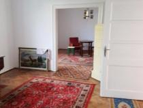 Apartament 4 camere la casa, cu gradina 350mp central