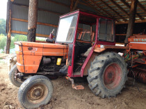 Tractor universal 445