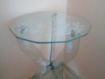 Masa din sticla gravata cu modele florale