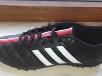 Ghete fotbal sintetic adidas marimea 41. noi și sigilate