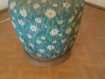 Scaun pian vechi cu floricele