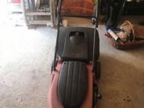 Mașina de tuns iarba electrică