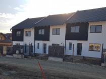 Apartament 4 camere 107 mp utili, cu teren propriu.