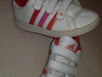 Adidași, pantofi sport Adidas, mărimea 30.