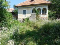 Teren 1300mp cu casa veche,Vladesti-Pleasa,in zona Schitului